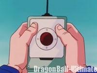 Bulma donne le dispositif d'arrêt à Kuririn
