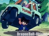 Gokū soulève la voiture de Bulma