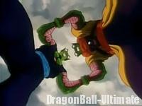 Slug dans un combat de force avec Piccolo