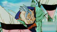 Le Kaiōshin découpe Majin Boo en deux