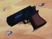 Un des pistolets des policiers